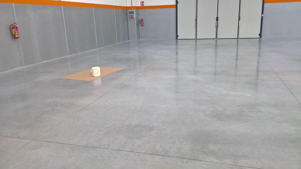 Pavimento Industriale In Cemento.Levigatura E Lucidatura Pavimenti In Cemento Cerias